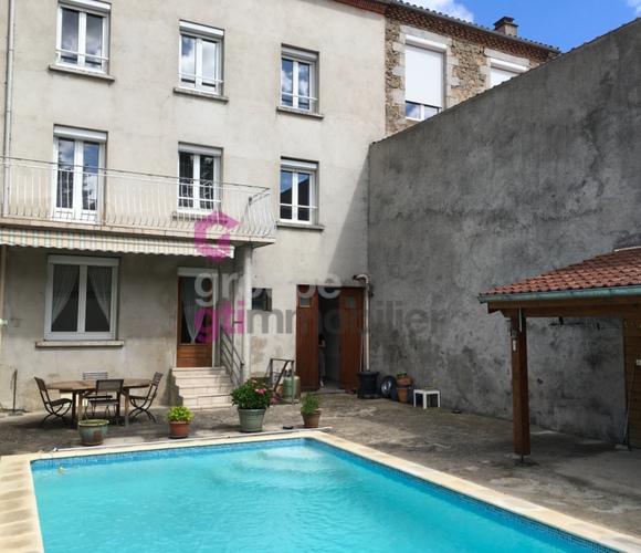 Vente Maison 9 pièces 260m² Sainte-Sigolène (43600) - photo