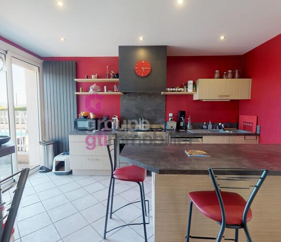 Vente Maison 6 pièces 142m² Bas-en-Basset (43210) - photo