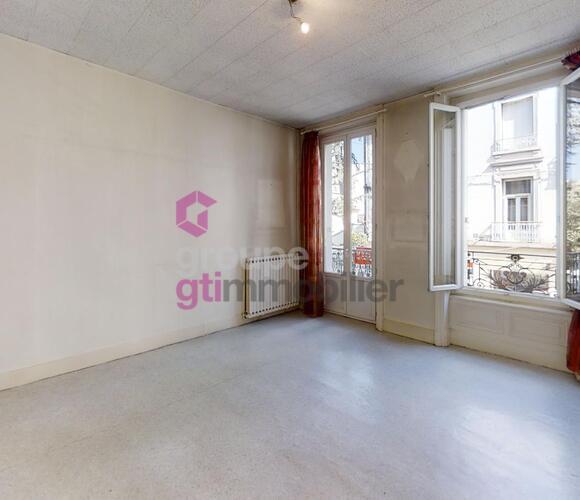 Vente Appartement 3 pièces 50m² Le Chambon-Feugerolles (42500) - photo