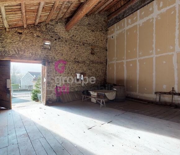 Vente Divers 90m² Saint-Romain-Lachalm (43620) - photo