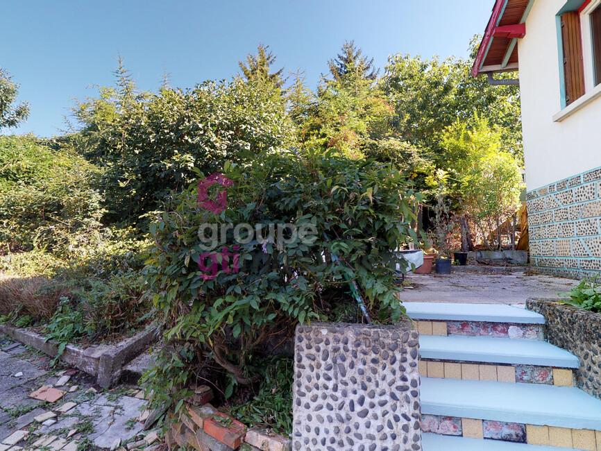 Vente Maison 8 pièces 105m² Le Chambon-Feugerolles (42500) - photo