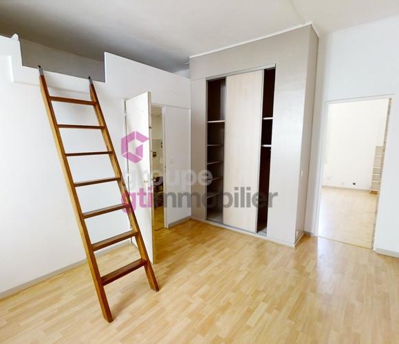 Vente Appartement 2 pièces 40m² Le Chambon-Feugerolles (42500) - photo