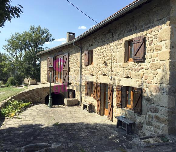 Vente Maison 5 pièces 150m² Craponne-sur-Arzon (43500) - photo