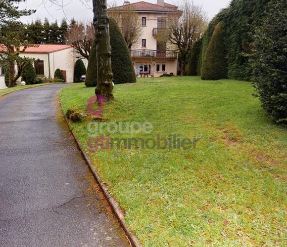Vente Maison 7 pièces 240m² Saint-Pal-de-Mons (43620) - photo