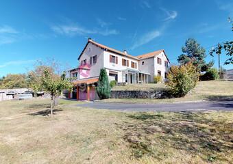 Vente Maison 16 pièces 310m² La Chaise-Dieu (43160) - Photo 1