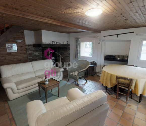 Vente Maison 5 pièces 80m² Bournoncle-Saint-Pierre (43360) - photo