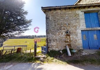 Vente Maison 3 pièces 146m² Saint-Julien-Molhesabate (43220) - Photo 1