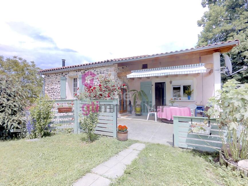 Vente Maison 2 pièces 80m² Saint-Germain-Lembron (63340) - photo