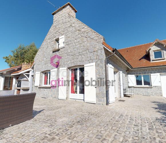 Vente Maison 6 pièces 165m² Usson-en-Forez (42550) - photo
