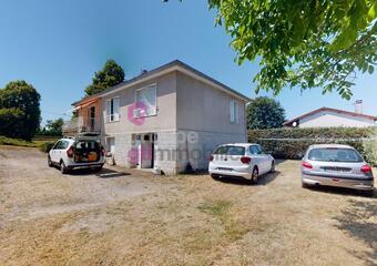 Vente Maison 7 pièces 110m² Saint-Victor-Malescours (43140) - Photo 1