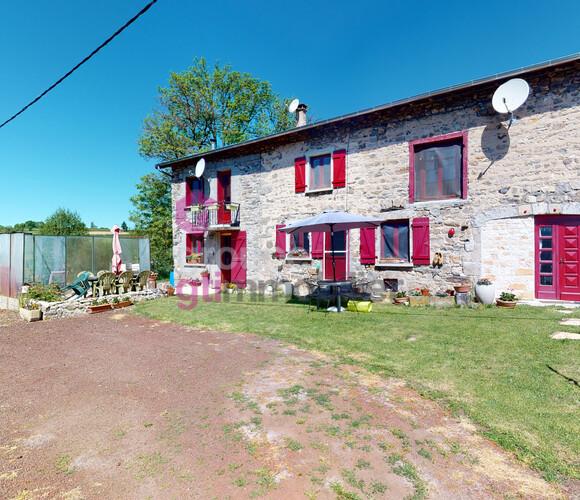 Vente Maison 6 pièces 177m² Craponne-sur-Arzon (43500) - photo