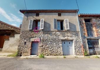 Vente Maison 2 pièces 35m² Saint-Rémy-de-Chargnat (63500) - Photo 1