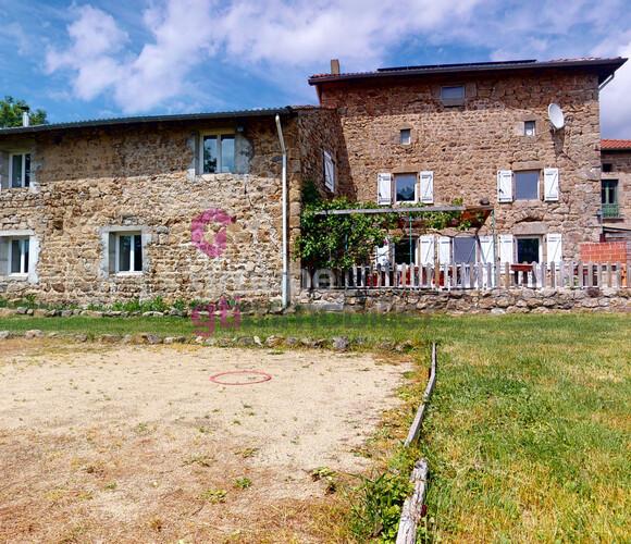 Vente Maison 8 pièces 235m² Usson-en-Forez (42550) - photo