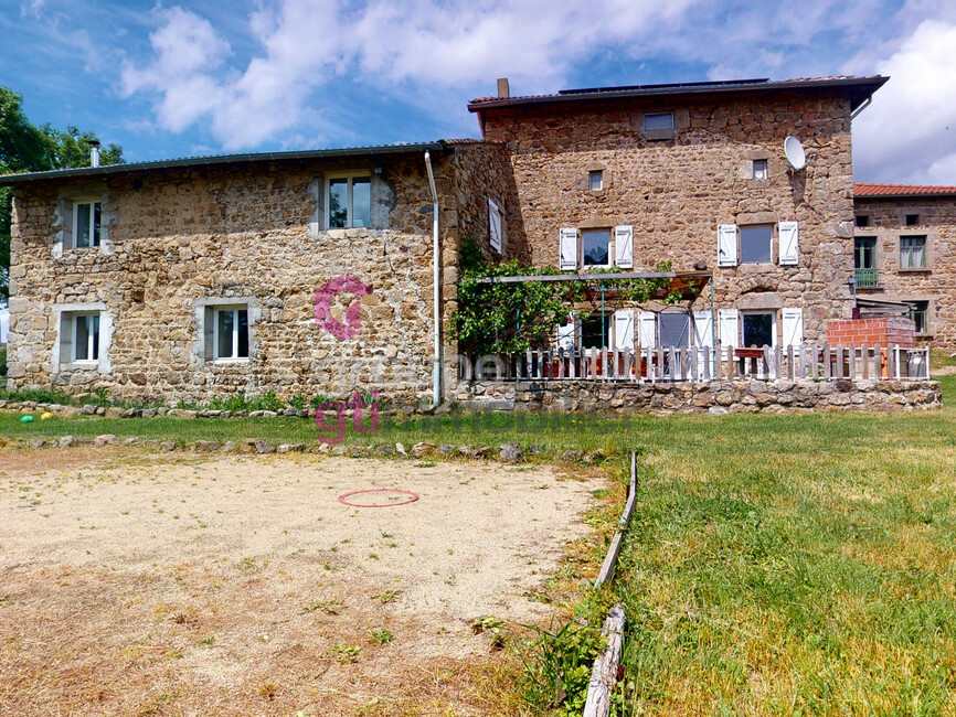 Vente Maison 8 pièces 250m² Usson-en-Forez (42550) - photo
