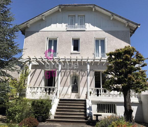 Vente Maison 8 pièces 250m² Craponne-sur-Arzon (43500) - photo
