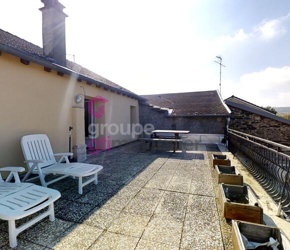 Vente Maison 14 pièces 185m² Saint-Jeures (43200) - photo