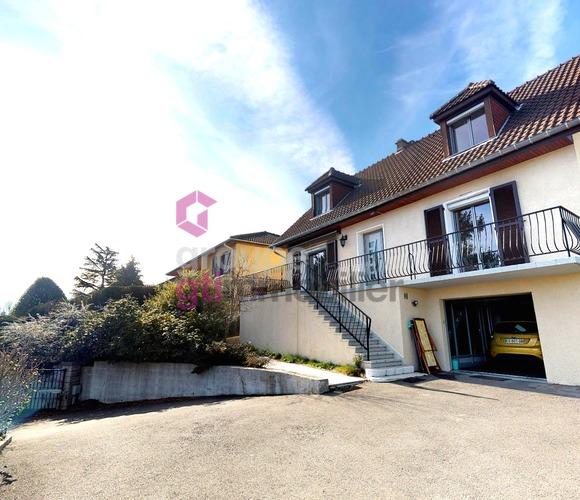 Vente Maison 6 pièces 160m² Saint-Genest-Lerpt (42530) - photo