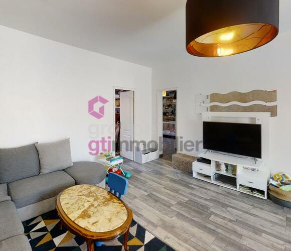 Vente Appartement 3 pièces 81m² Le Chambon-Feugerolles (42500) - photo