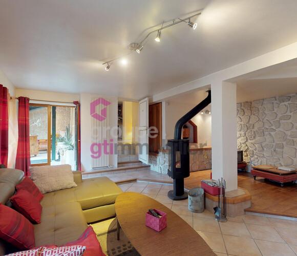 Vente Maison 5 pièces 120m² Saint-Paul-en-Cornillon (42240) - photo