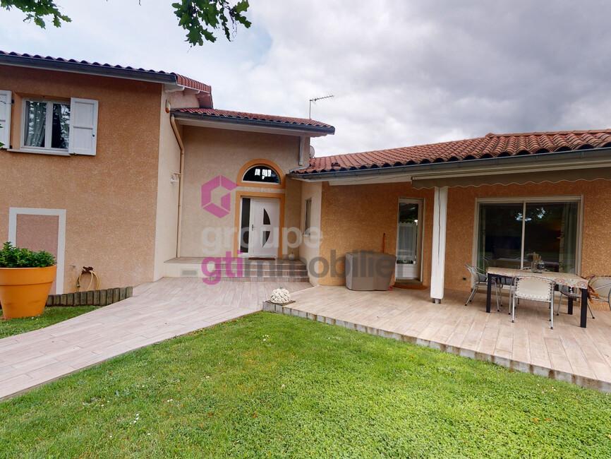 Vente Maison 7 pièces 150m² Saint-Just-Saint-Rambert (42170) - photo