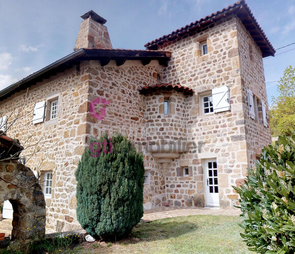 Vente Maison 7 pièces 170m² Bas-en-Basset (43210) - photo