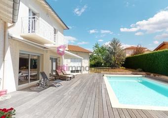 Vente Maison 8 pièces 216m² Aurec-sur-Loire (43110) - Photo 1