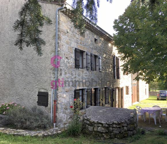 Vente Maison 5 pièces 165m² Saint-Pal-de-Chalencon (43500) - photo