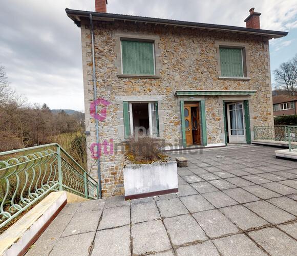 Vente Maison 6 pièces 111m² Vertolaye (63480) - photo