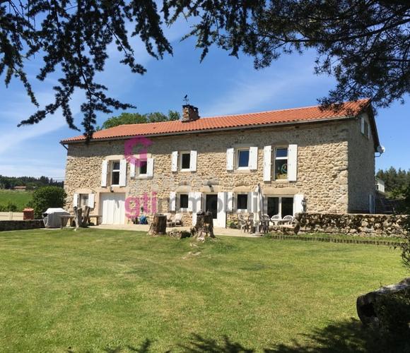 Vente Maison 8 pièces 336m² Craponne-sur-Arzon (43500) - photo