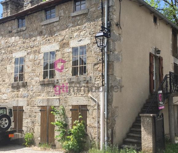 Vente Maison 5 pièces 75m² haute Ardèche dans village agréable - photo