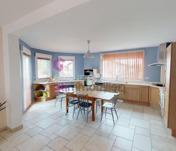 Vente Maison 7 pièces 240m² Vals-près-le-Puy (43750) - photo