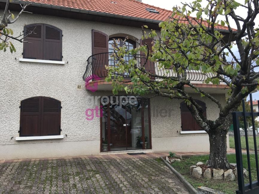 Vente Maison 6 pièces 132m² Issoire (63500) - photo