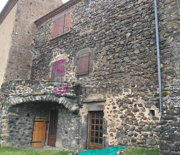 Vente Maison 3 pièces 60m² Chalus (63340) - photo