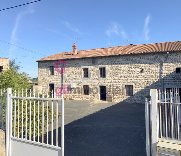 Vente Maison 7 pièces 156m² Saint-Pal-de-Chalencon (43500) - photo