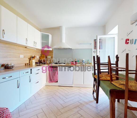 Vente Maison 10 pièces Ambert (63600) - photo